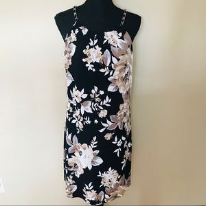 WHBM Black Tan and White Floral Shift Dress
